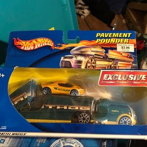 Hot wheels collectible pavement pounders